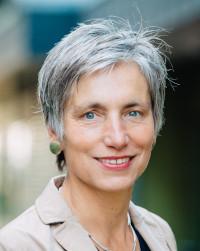 Prof.in Ingrid Darmann-Finck erhält Deutschen Pflegepreis