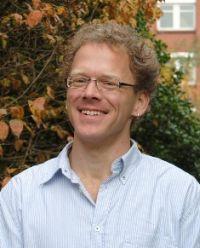 Guido Schmiemann einer der Preisträger des ersten Preises des Deutschen Forschungspreises für Allgemeinmedizin 2016
