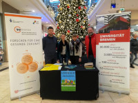 "Community assessment booth at the shopping mall ""Berliner Freiheit"" in Bremen-Vahr"